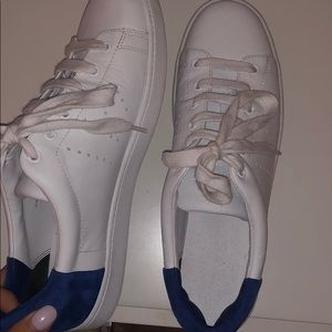 New vince shoes, never worn (tag is not on)